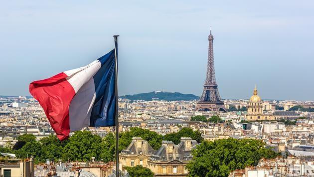 Emmanuel Macron envisage un 4ème confinement strict dès la rentrée.